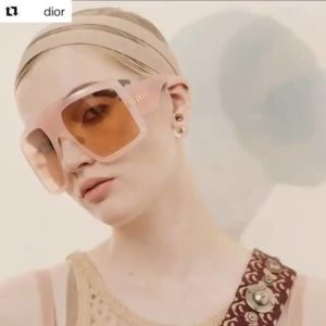 #Repost @dior with @get_repost ・・・ Discover the season's striking new sunglasses shape: the square,…