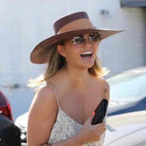@chrissyteigen featuring @chloe sunglasses #chloe #sunglasses #fashionsunglasses #opticien #bodartopticiens